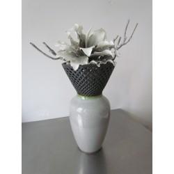 grijs/witte foambloemen